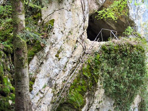 Grotte des faux monnayeurs mouthiers haute pierre svt for Haute pierre